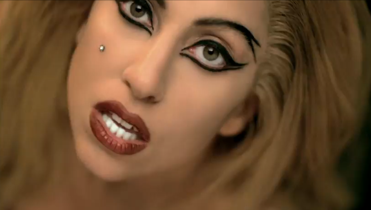 Lady-Gaga-Judas-lady-gaga-31583583-1220-693