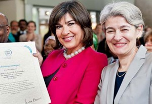 UNESCO Director-General Irina Bokova (right) with Christiane Amanpour, newly named Goodwill Ambassador for Freedom of Expression and Journalist Safety. Снимка: UNESCO